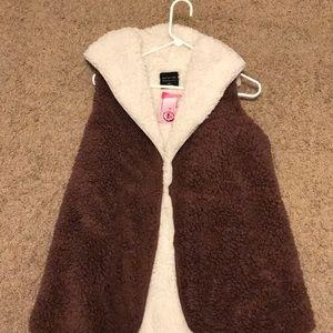 NWT NEVER WORN Active USA teddy bear vest